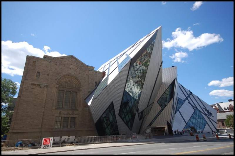 ROM -Royal Ontario Museum by Magon