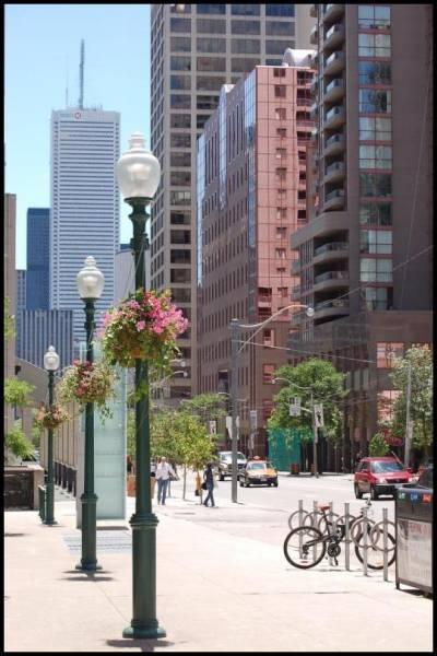 Вечно деловой Бэй стрит (Торонто) by Magon