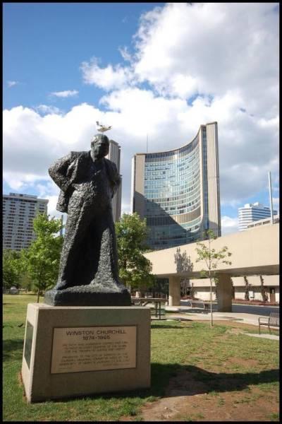 Памятник сэру Уинстону Черчилю в Торонто by Magon